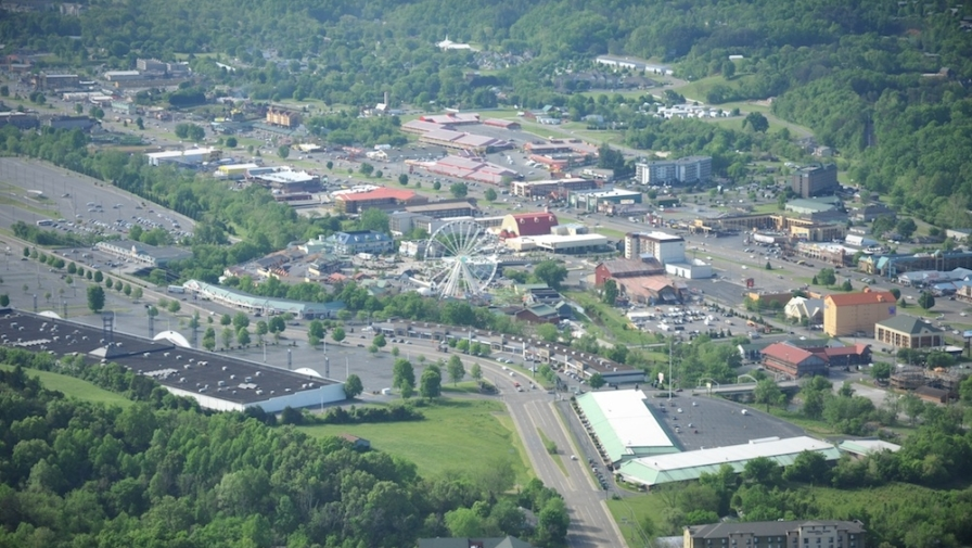 5 Incredible Shopping Destinations Near Our Hotel in Pigeon Forge Tennessee