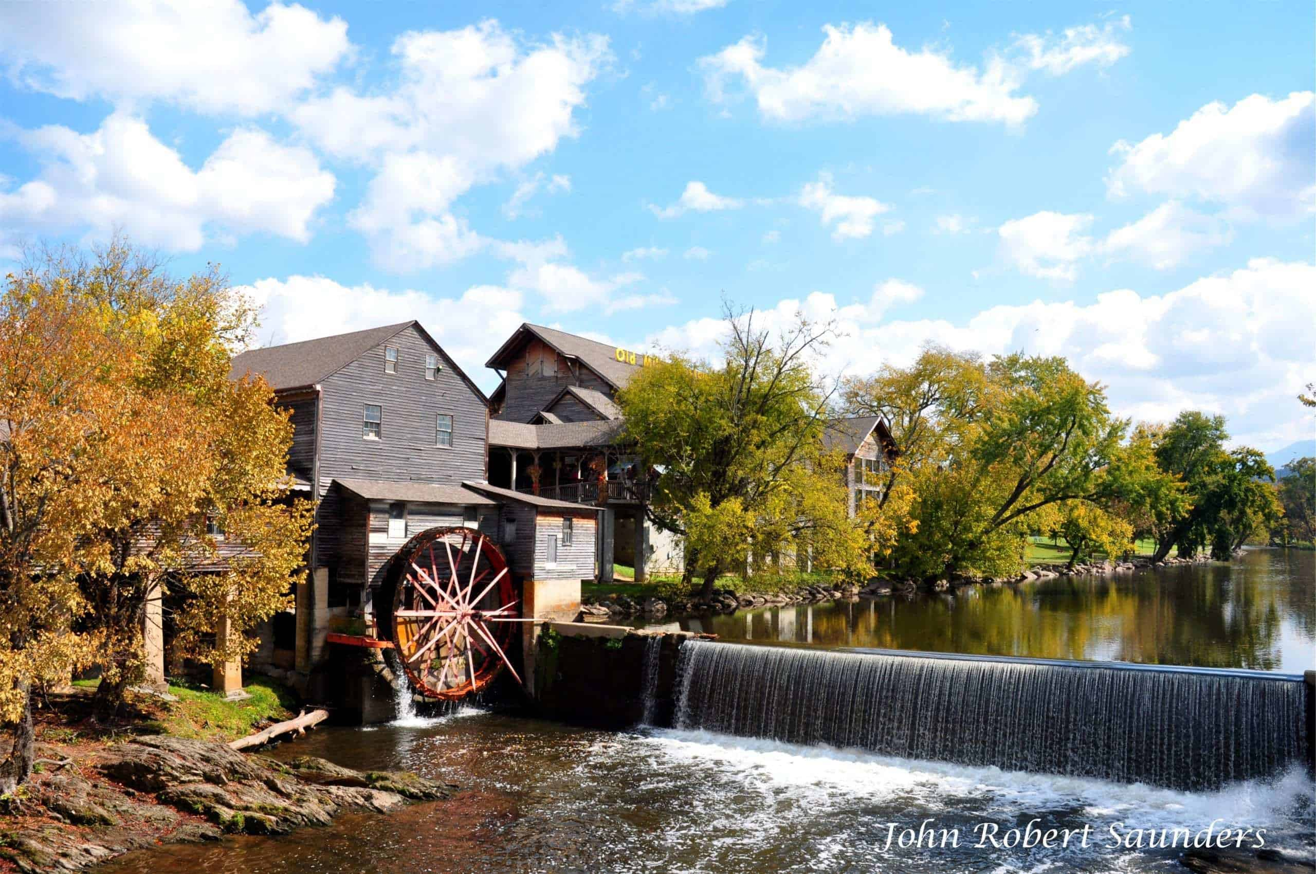 Where to Have Dinner in Pigeon Forge: Top 5 Restaurants