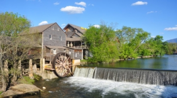 5 Reasons to Visit the Old Mill Restaurant in Pigeon Forge TN