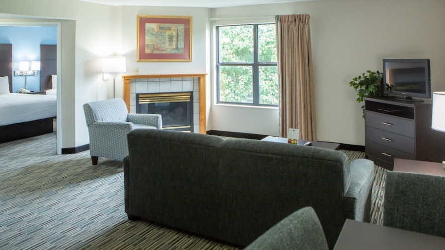 4 Reasons You'll Love Our 2 Bedroom Hotel Suites in Pigeon Forge TN